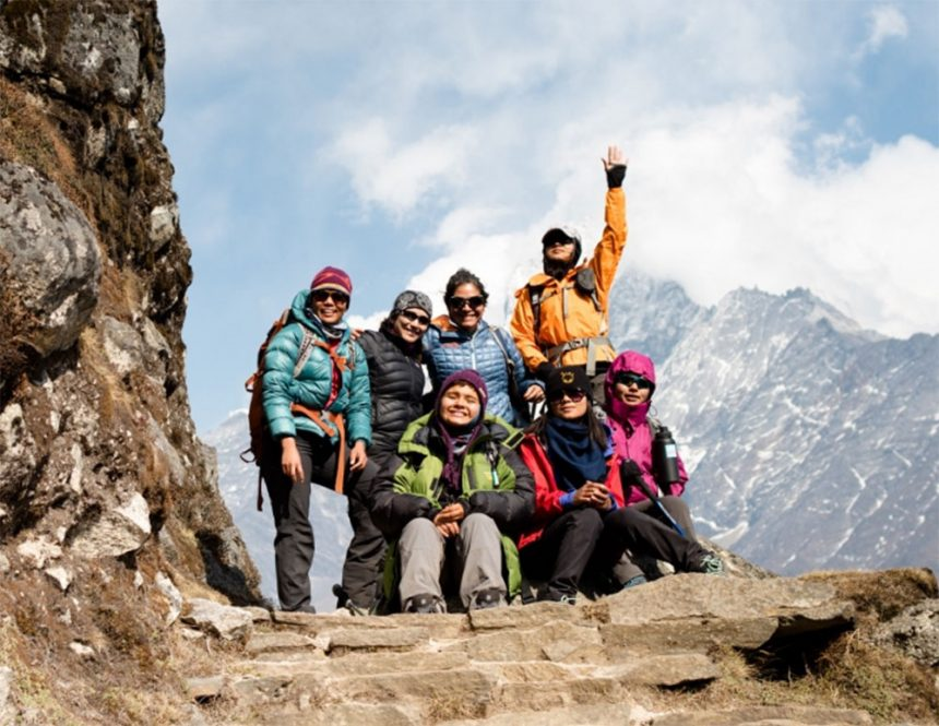 Day 4 – The first sight of Everest!